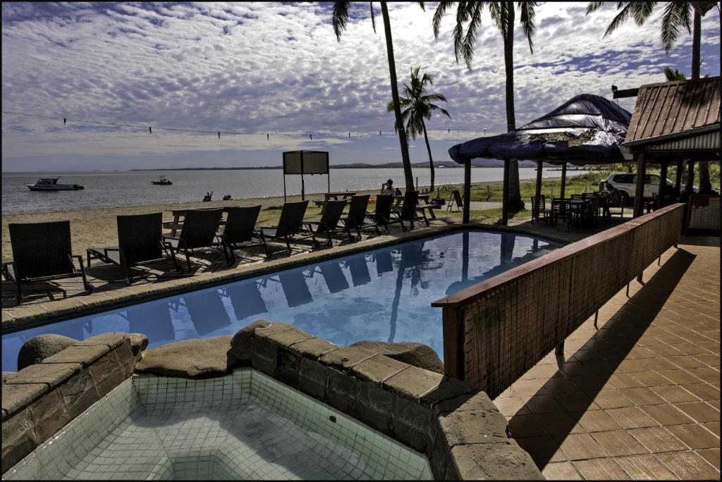 Piscine de l'établissement Travellers Beach Resort ou située à proximité