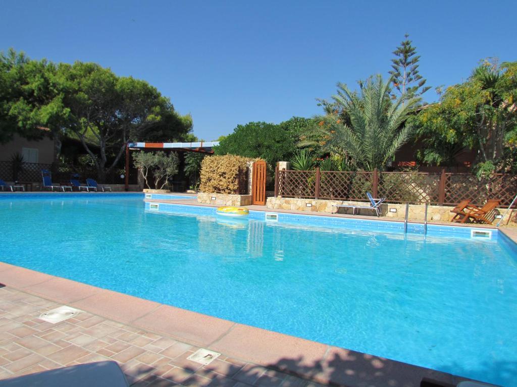 Bazén v ubytování Residence Villalba nebo v jeho okolí