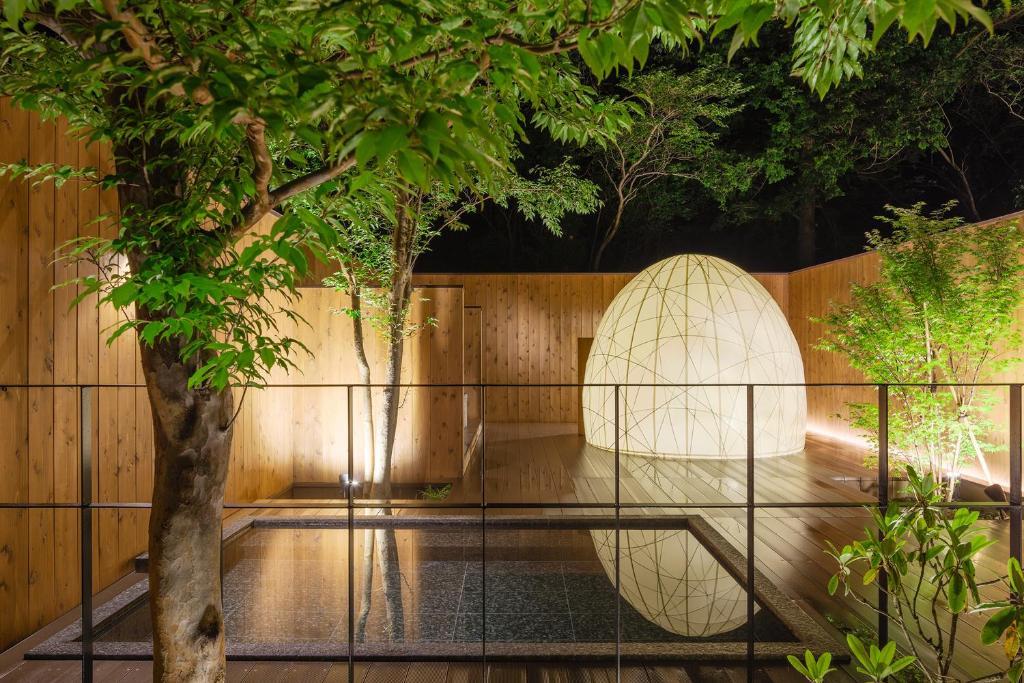 箱根湖酒店游泳池或附近泳池