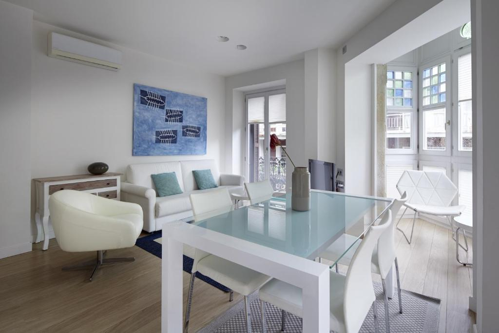 Easo Suite 2B Apartment by FeelFree Rentals