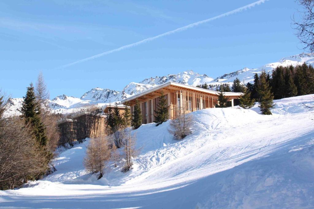 L'Aiguille Grive Chalets Hotel during the winter