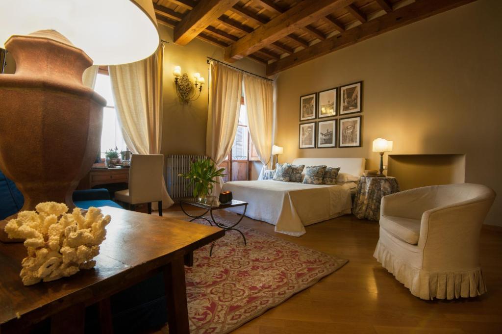 Uma área de estar em Capri Moon Guest House