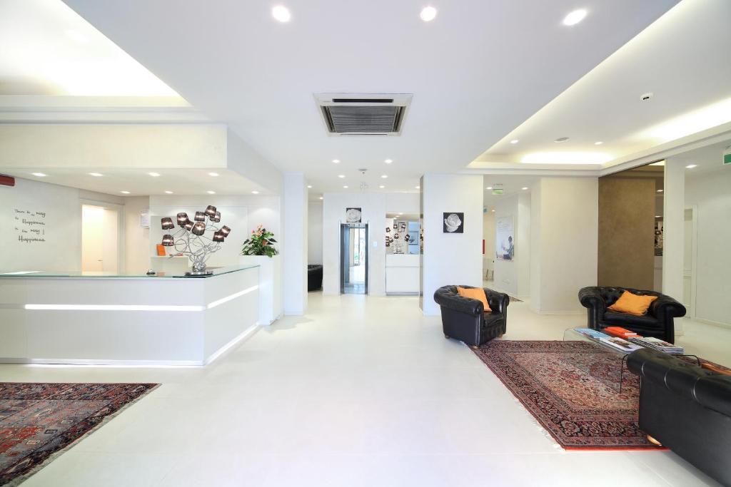 Zona de hol sau recepție la Hotel Rosabianca