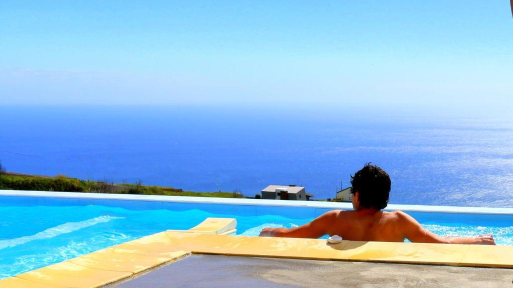 A piscina em ou perto de Madeira Native Motion Guest House