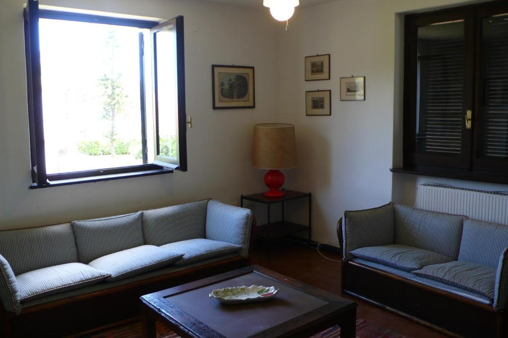 A seating area at Cottage Morus