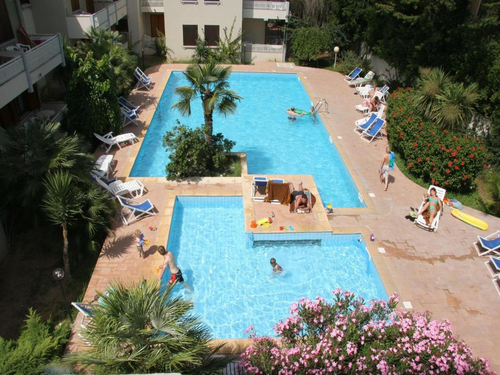 A view of the pool at Residence Eucalipti or nearby