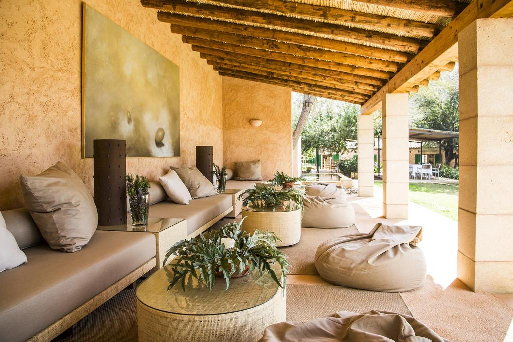 The lounge or bar area at Casa Rural Son Bernadinet