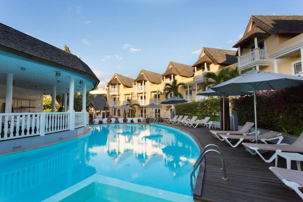 The swimming pool at or near Ermitage Boutik Hotel/ Blue Beach