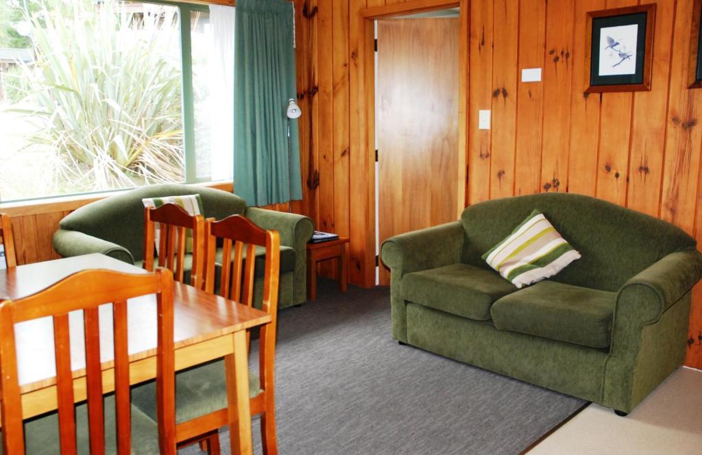 The Chalets Motel