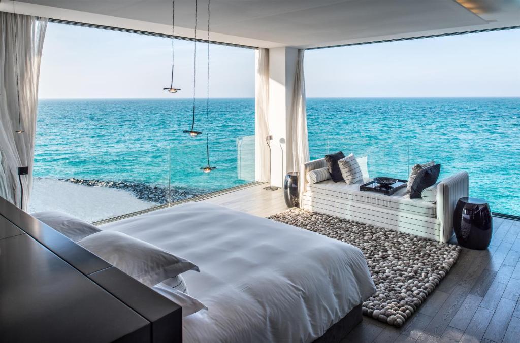 кровать на берегу моря фото сборщик
