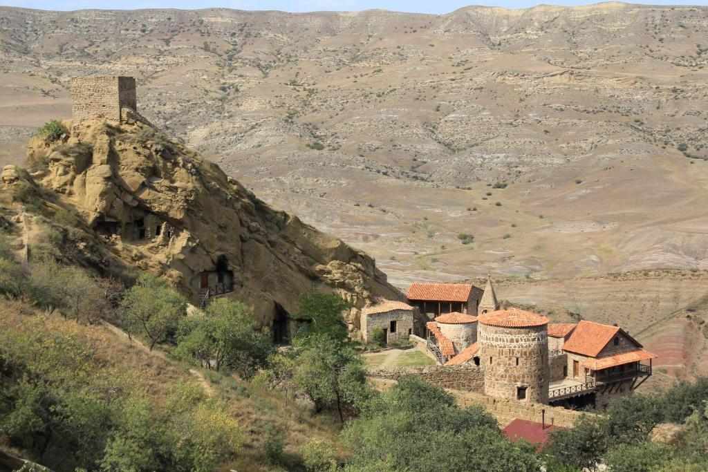 Khutebi Hotel