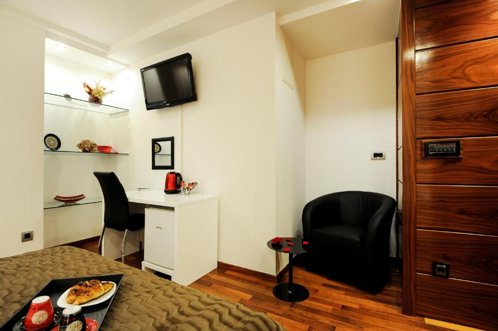 Main Street Studio and Rooms