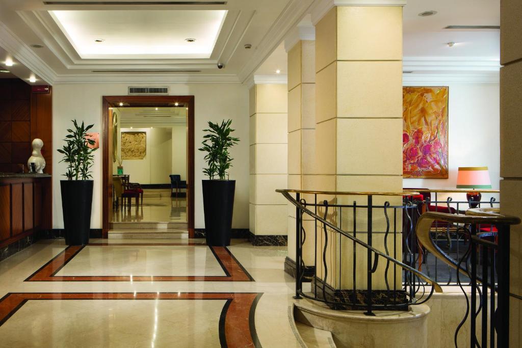 The lobby or reception area at Hotel dei Mellini