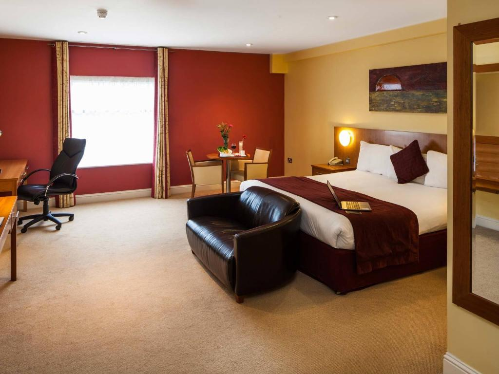 CENTRAL HOTEL TULLAMORE - UPDATED 2020 Reviews