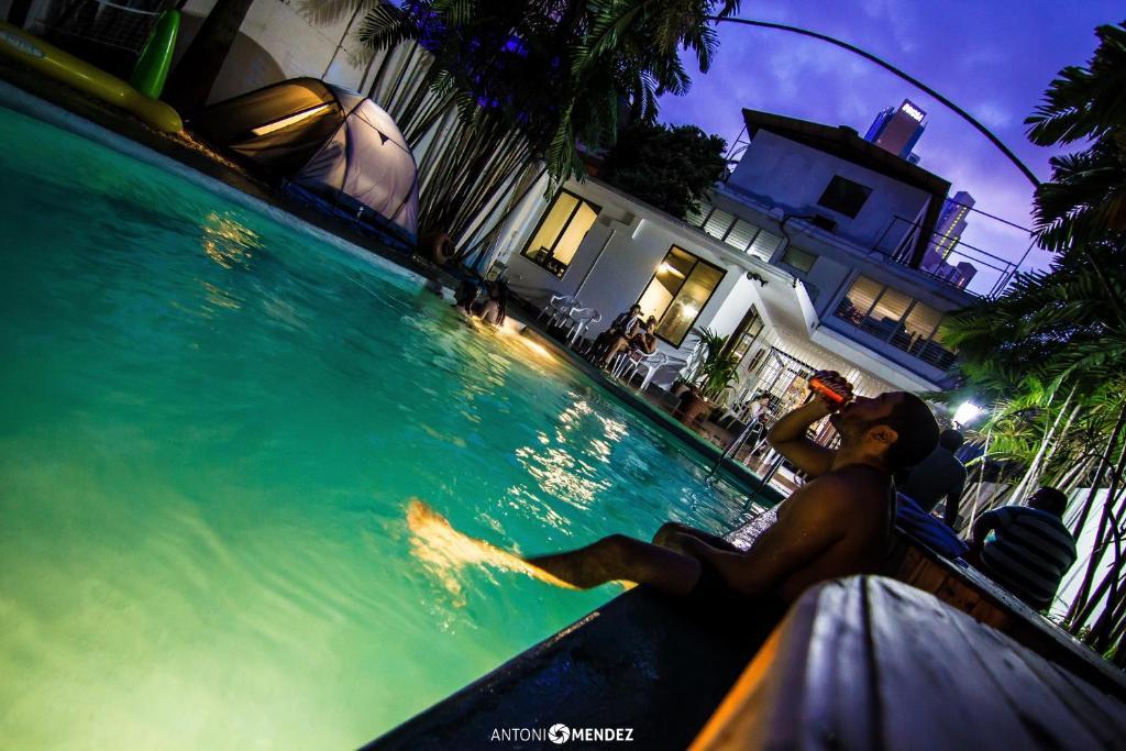 ホステル シリリの敷地内または近くにあるプール