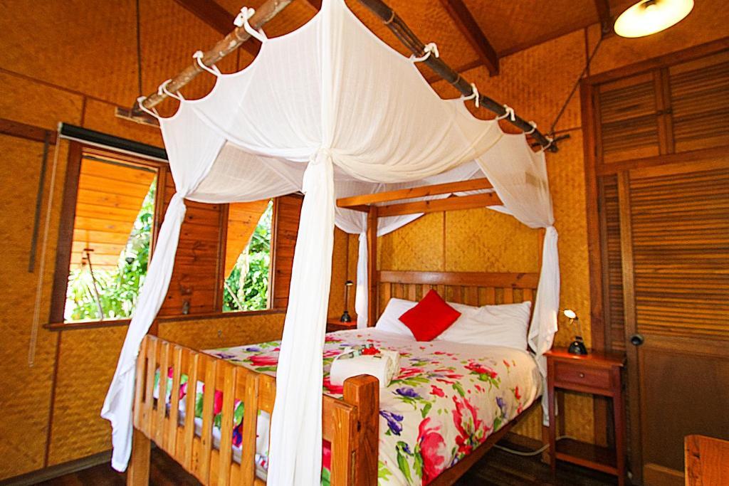 Un ou plusieurs lits dans un hébergement de l'établissement 1770 Beach Shacks