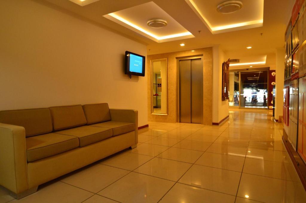 Гостиная зона в Artemis Princess Hotel