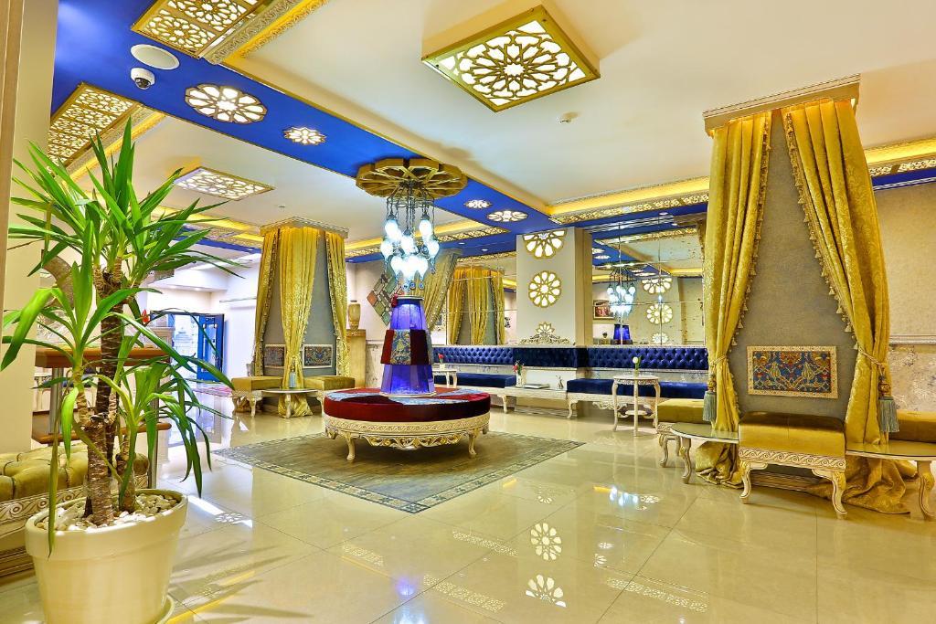 O saguão ou recepção de Edibe Sultan Hotel-My Extra Home