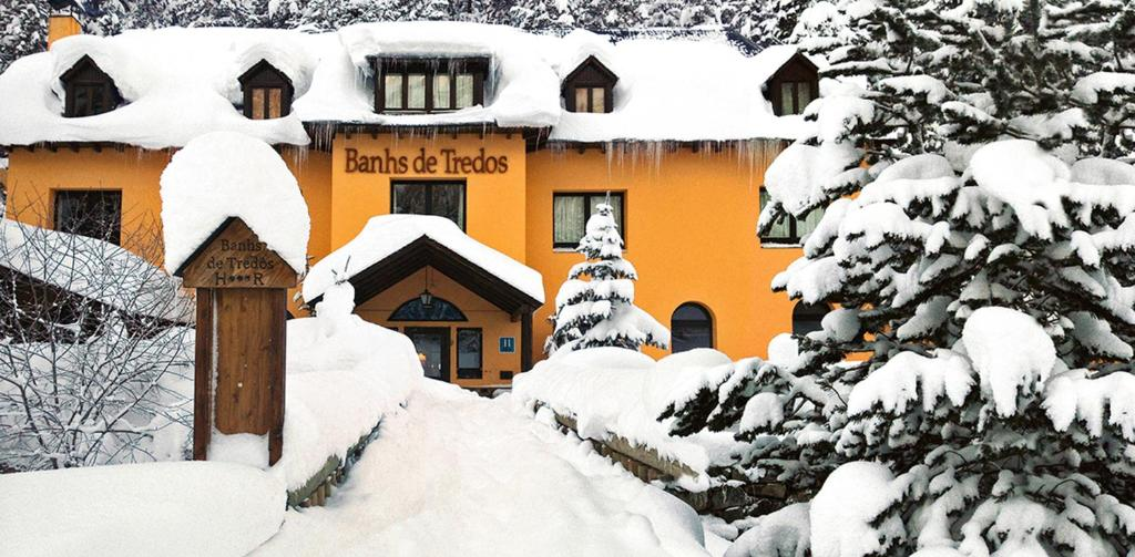 Hotel Banhs de Tredos during the winter