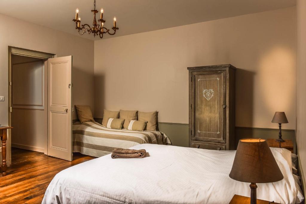 Un ou plusieurs lits dans un hébergement de l'établissement Demeure D'Argonne