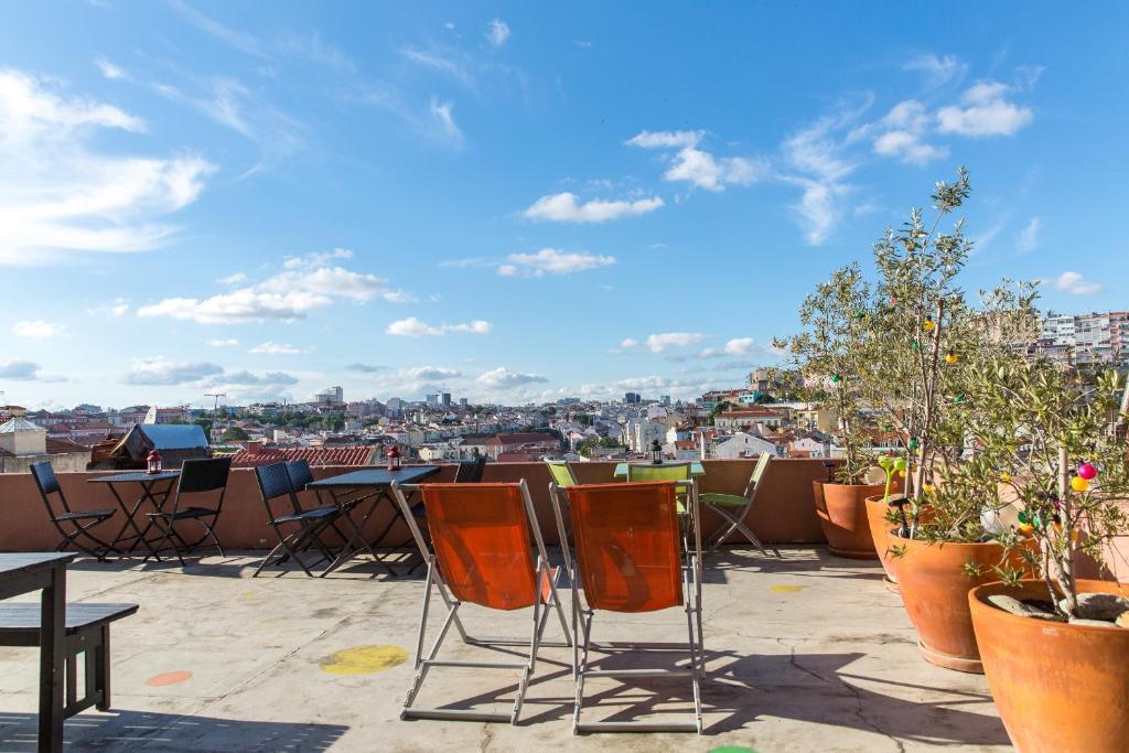 Restauracja lub miejsce do jedzenia w obiekcie This Is Lisbon Hostel