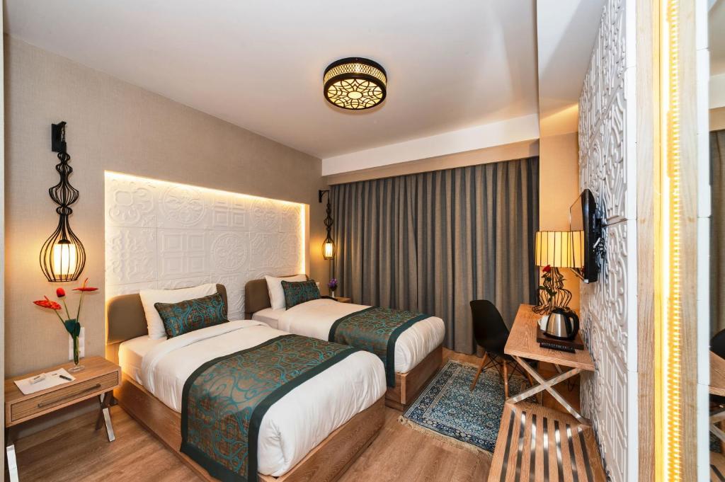 Aybar Hotel