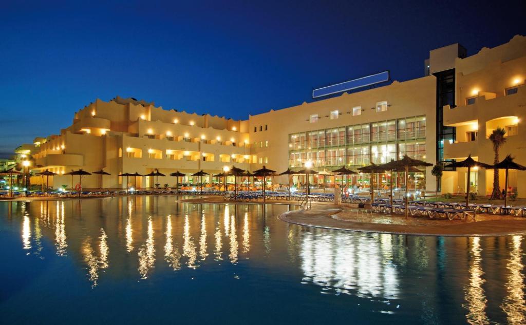 Hotel Cabo Gata (Spanje Retamar) - Booking.com
