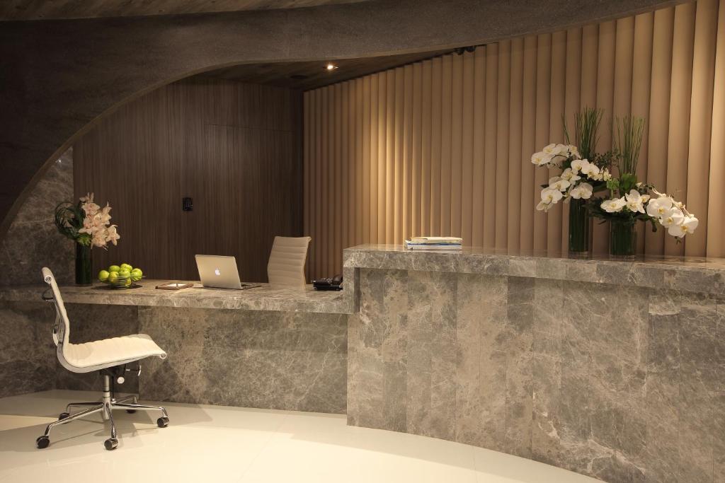 A bathroom at The Perkin Hotel
