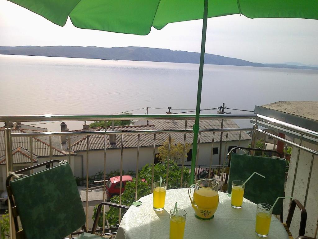 A balcony or terrace at Apartment Matea
