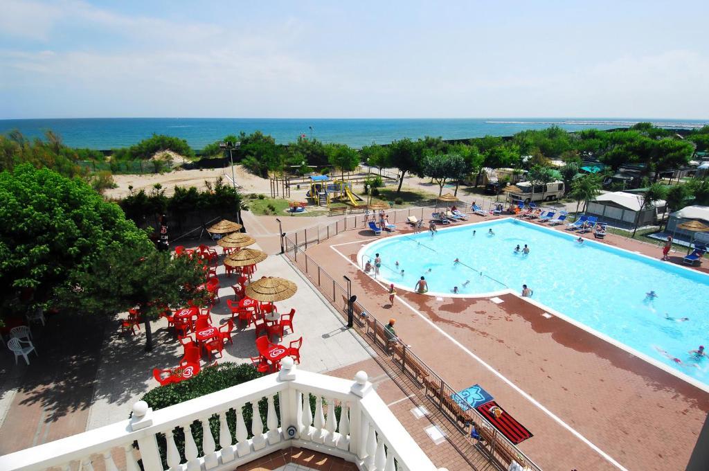 Vista de la piscina de Camping Village Internazionale o alrededores