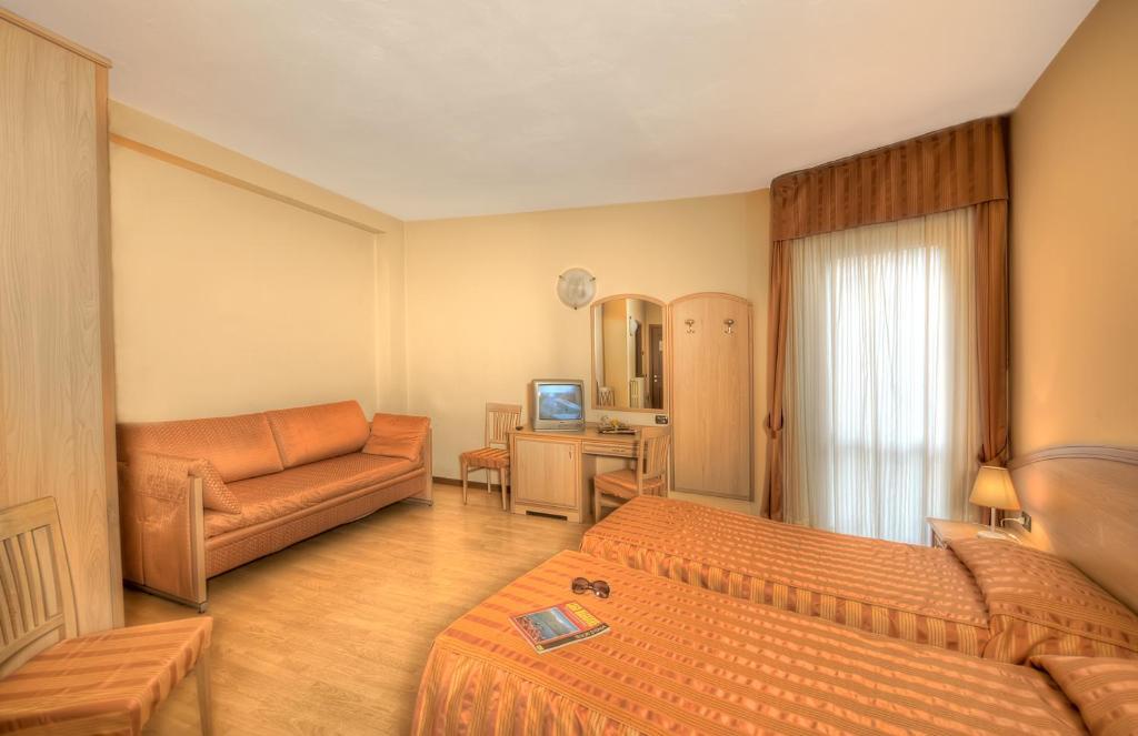Hotel Dei Fiori.Hotel Residence Dei Fiori Baveno Italy Booking Com