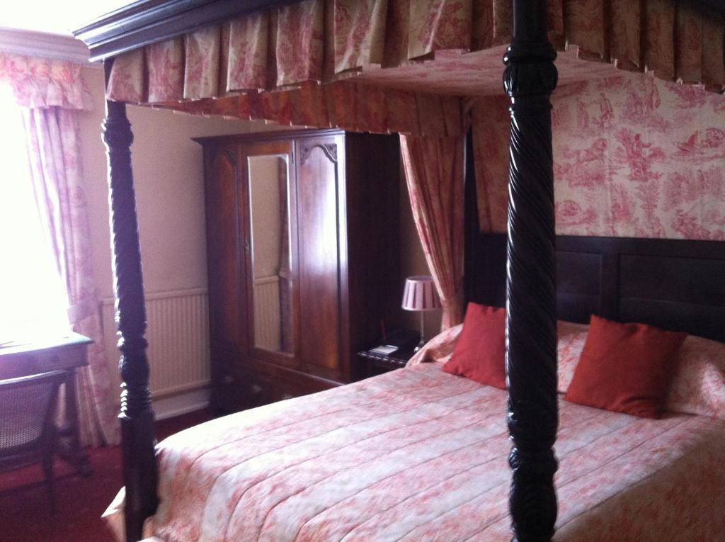 Corse Lawn House Hotel