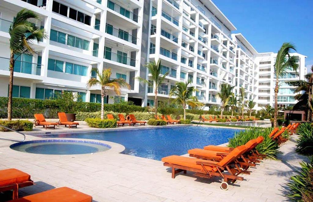 The swimming pool at or near Morros Suites Apartamentos