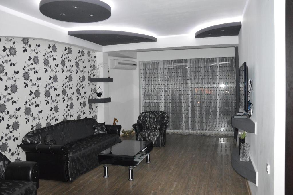 Irakli's Apartment with Terrace