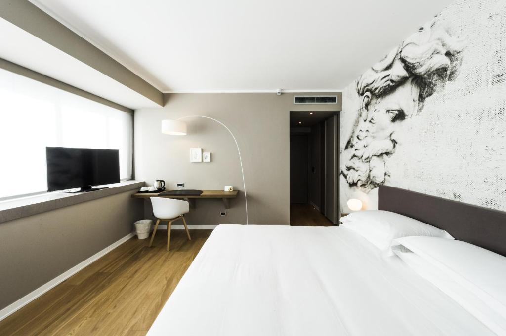Letto o letti in una camera di Crystal Hotel