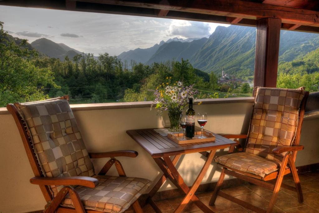 A balcony or terrace at Tourist Farm Kranjc