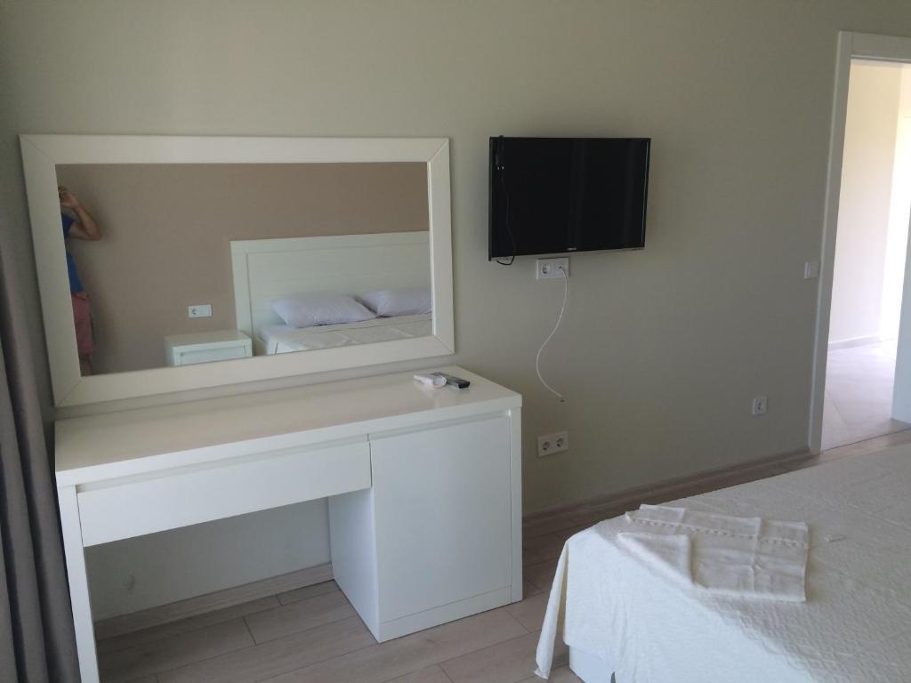 Apartment Neon Turkbuku Evleri