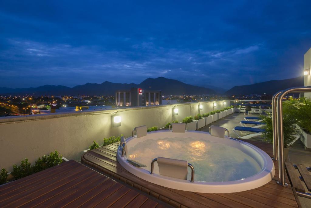 Hotel Hampton By Hilton Yopal Colombia Booking Com