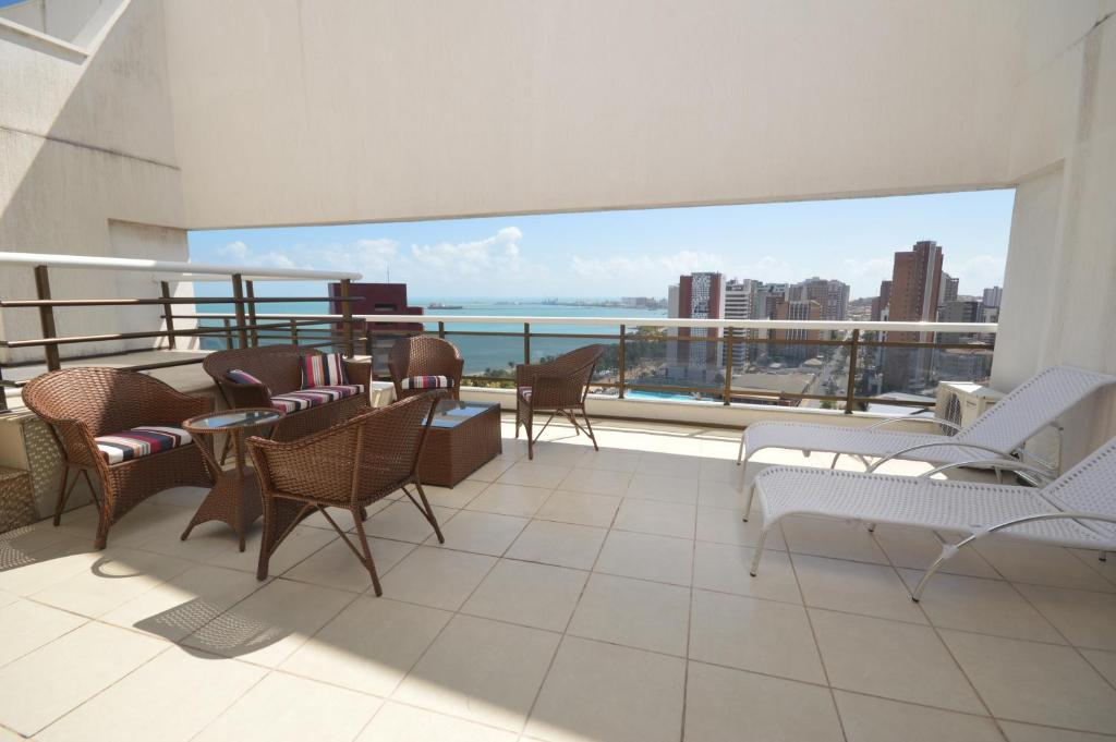 A balcony or terrace at Leme Penthouse Apartment