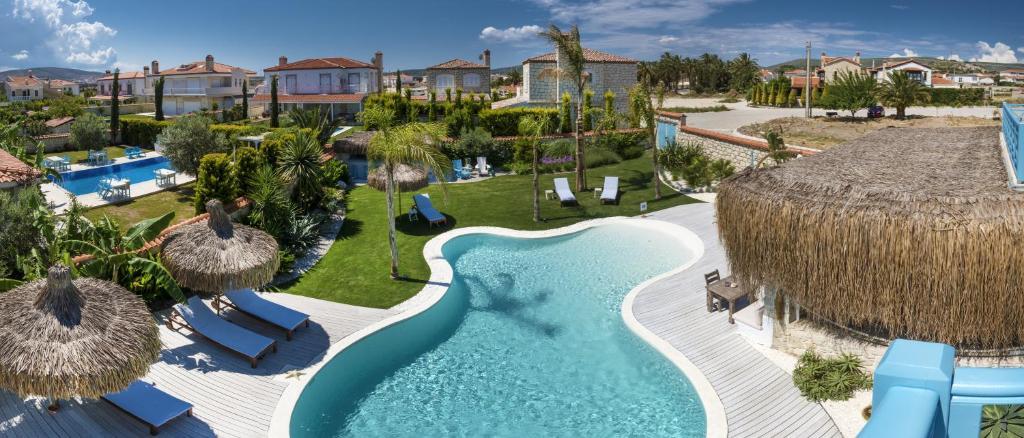 Vista sulla piscina di La Vela Hotel - Adult Only o su una piscina nei dintorni
