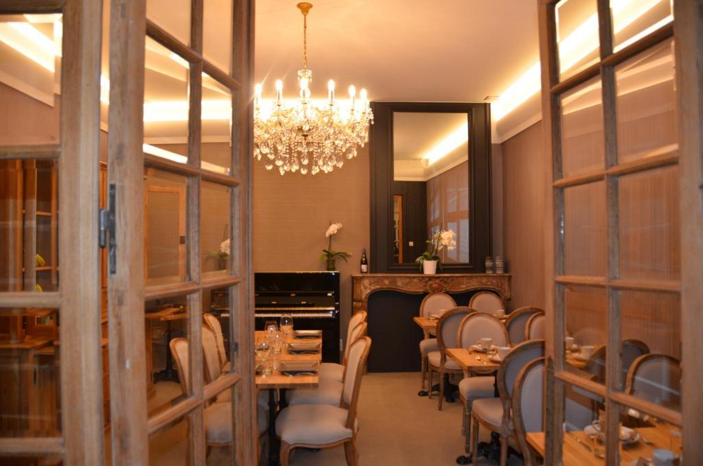 Um restaurante ou outro lugar para comer em Hotel Het Gheestelic Hof