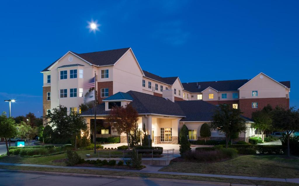 Homewood Suites by Hilton Irving - DFW Airport North.