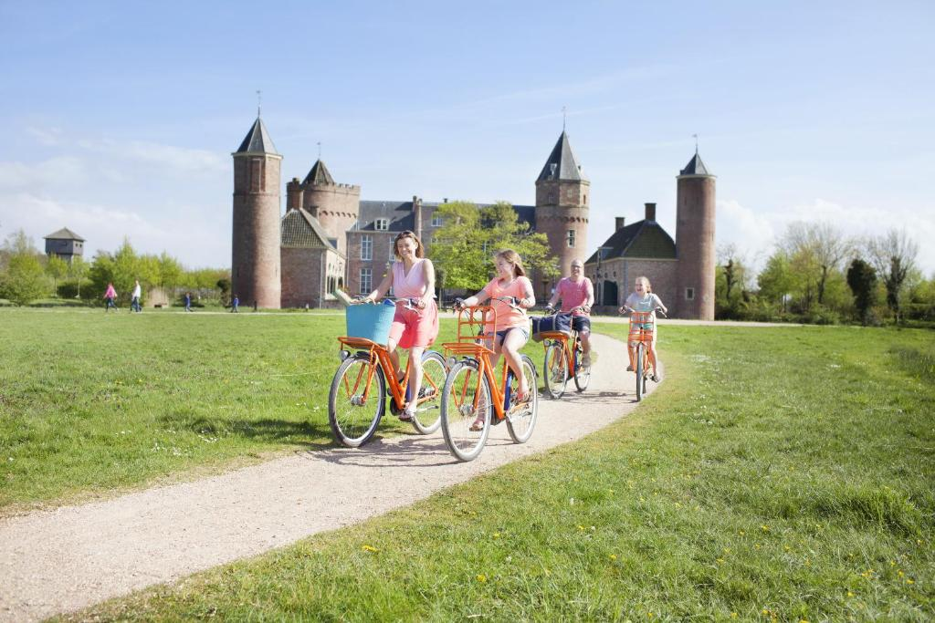 Biking at or in the surroundings of Stayokay Domburg