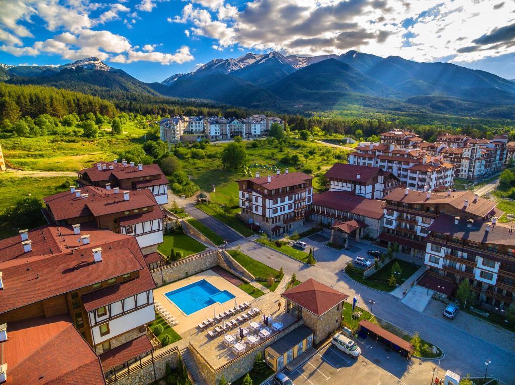 A bird's-eye view of Green Life Resort Bansko