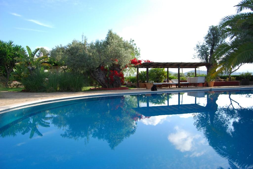 The swimming pool at or near Hotel Rural Cas Pla