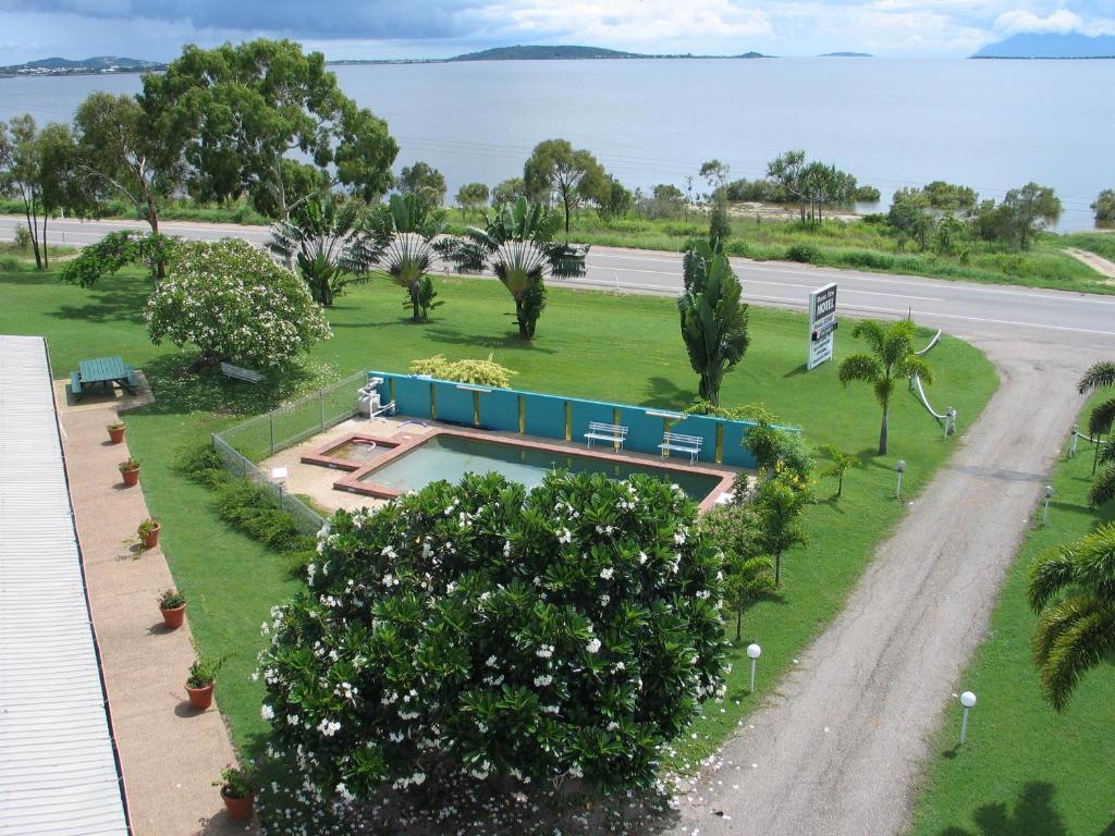 A bird's-eye view of Ocean View Motel Bowen