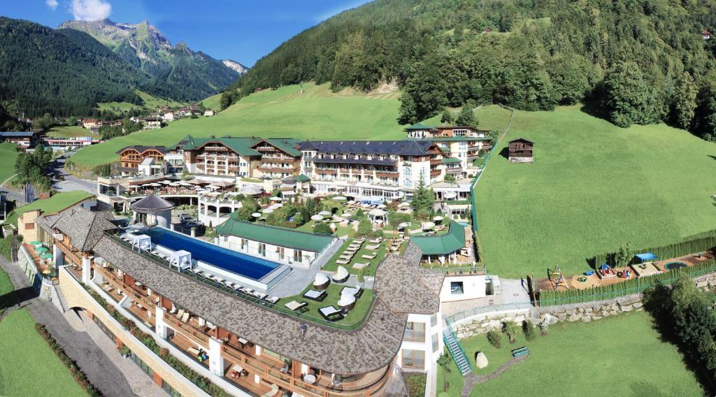A bird's-eye view of Stock Resort