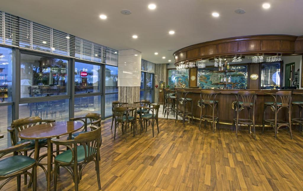 Лаундж или бар в Hotel Kaptan