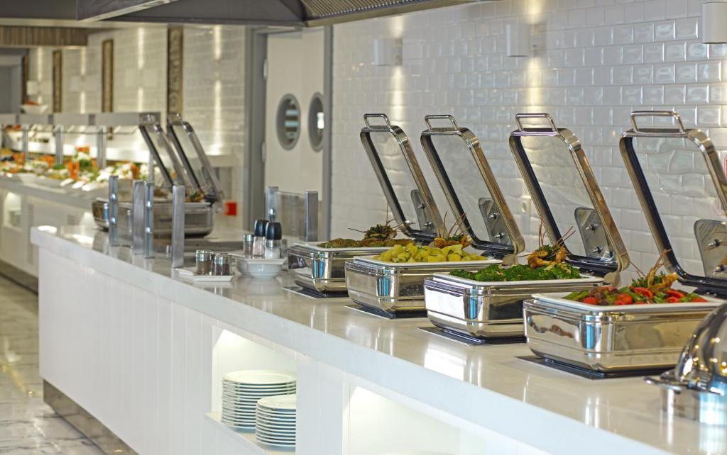 Еда / где поесть недалеко от курортного отеля