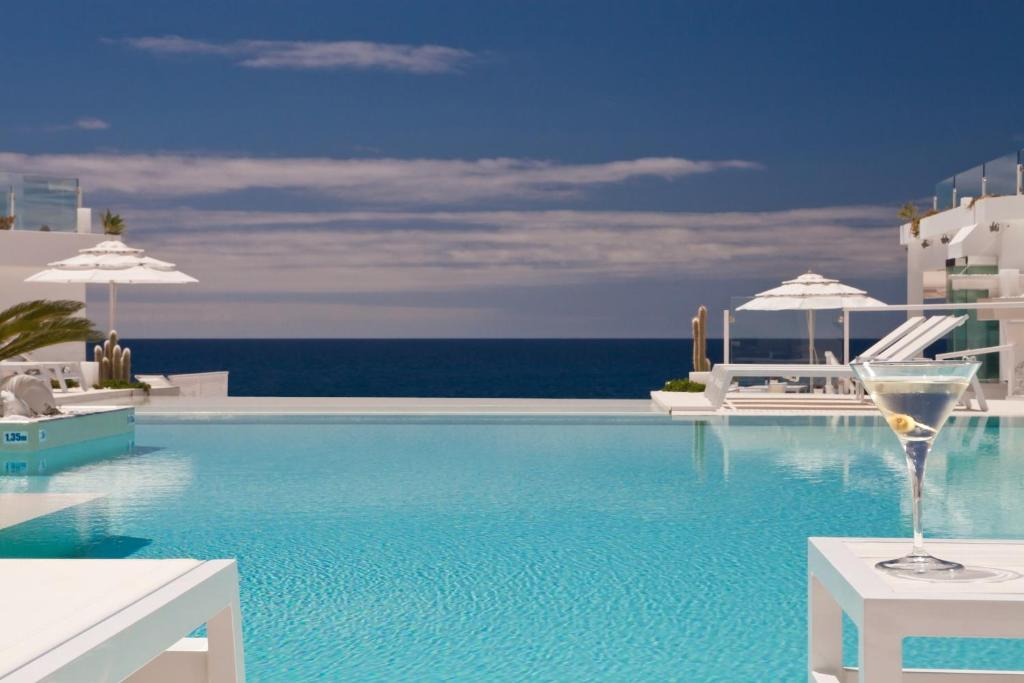 Piscina en o cerca de Lani's Suites de Luxe - Adults Only